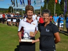 Robyn Boniface receiving Individual Prize Women\'s Masters